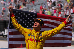Ryan Hunter-Reay, Andretti Autosport Honda celebrates