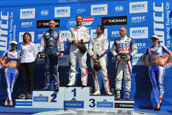 Podium: winner Yvan Muller, second place Tom Coronel, third place Jose Maria Lopez