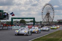 Fernando Alonso gives the start: #79 Prospeed Competition Porsche 911 GT3 RSR (997): Cooper MacNeil, Jeroen Bleekemolen