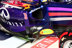 Daniel Ricciardo, Red Bull Racing RB10 leaves the pits running flow-vis paint on the sidepod