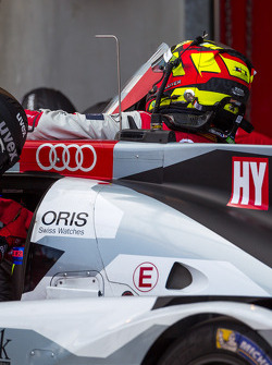 Benoit Tréluyer getting in the #2 Audi Sport Team Joest Audi R18 E-Tron Quattro