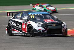 WTCC: René Münnich, Chevrolet RML Cruze TC1