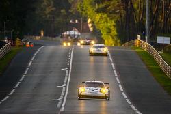 #91 Porsche Team Manthey Porsche 911 RSR (991): Patrick Pilet, Jörg Bergmeister, Nick Tandy