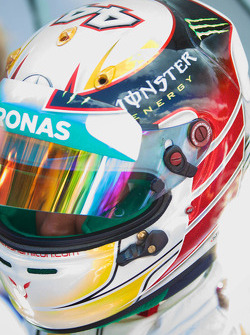 Lewis Hamilton ready to race