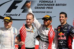 Valtteri Bottas, Williams F1 Team, Lewis Hamilton, Mercedes AMG F1 Team and Daniel Ricciardo, Red Bull Racing