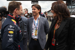 Christian Horner, Red Bull Racing Team Principal with Jay Rutland, and his wife Tamara Ecclestone, on the grid