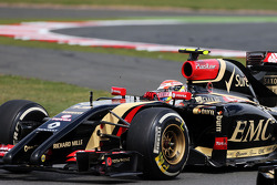 Pastor Maldonado, Lotus F1 E21 with damage after collision with Esteban Gutierrez, Sauber C33