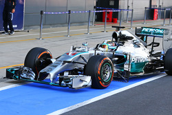 F1: Lewis Hamilton, Mercedes AMG F1 W05 running sensor equipment