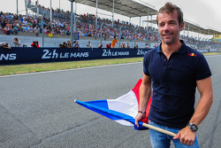 Sébastien Loeb gives the start