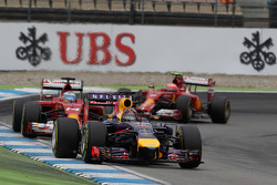 Sebastian Vettel, Red Bull Racing RB10 leads Fernando Alonso, Ferrari F14-T and Kimi Raikkonen, Ferrari F14-T