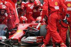 Kimi Raikkonen, Scuderia Ferrari during pitstop