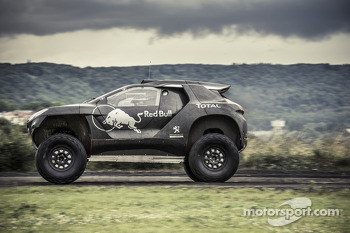 Peugeot 2008 DKR testing