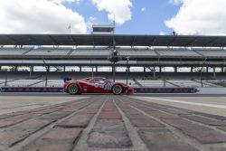 #63 Scuderia Corsa Ferrari 458 Italia: Alessandro Balzan, Jeff Westphal