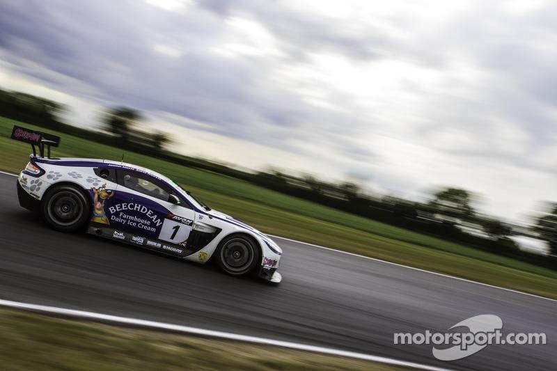 #1 Beechdean AMR Aston Martin Vantage GT3: Andrew Howard, Jonny Adam