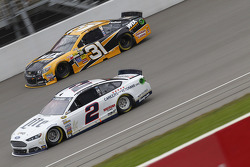 Brad Keselowski, Team Penske Ford and Ryan Newman, Richard Childress Racing Chevrolet