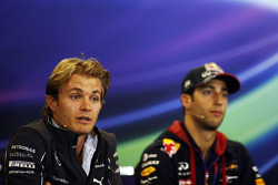 (L to R): Nico Rosberg, Mercedes AMG F1 and Daniel Ricciardo, Red Bull Racing in the FIA Press Conference