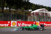 Marcus Ericsson, Caterham CT05 spins at La Source in FP1