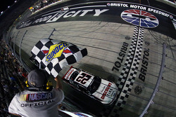 NASCAR-NS: Ryan Blaney takes the win