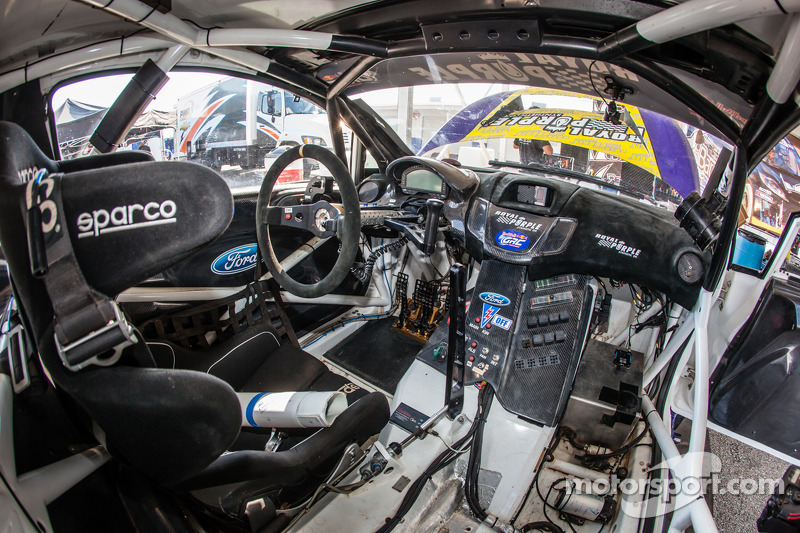 royal purple racing omse ford fiesta st cockpit