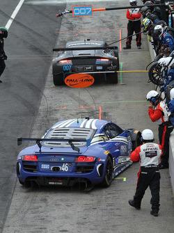 #46 Fall-Line Motorsports Audi R8 LMS: Charles Espenlaub, Charlie Putman   pit stop