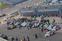 Pit Lane Opens for Race 3