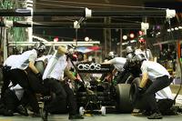 Jenson Button, McLaren MP4-29 practices a pit stop