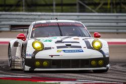 #91 Porsche Team Manthey Porsche 911 RSR: Patrick Pilet, Jörg Bergmeister