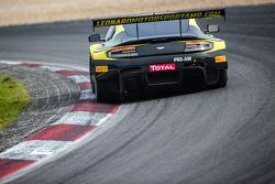 #32 Leonard Motorsport Aston Martin Vantage GT3: Stuart Leonard, Paul Wilson, Michael Meadows