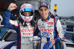 Race winners Anthony Davidson, Sebastien Buemi celebrate