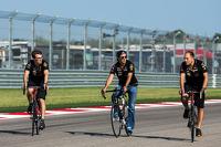 Sergio Perez, Sahara Force India F1, rides the circuit