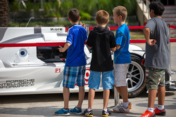 Young boys studying the Porsche 919 Hybrid