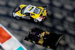#50 Larbre Competition Porsche 991 GT3 Cup: Franck Labescat, Manuel Rodrigues, Christian Filippon, Denis Gibaud and #45 Avelon Formula Wolf GB08: Ivan Bellarosa, Guglielmo Belotti, Ricardo Teixeira