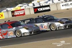#43 BAM! Porsche 911 GT3 RSR: Leo Hindery, Lucas Luhr, Sascha Maassen, #45 Flying Lizard Motorsports Porsche 911 GT3 RSR: Johannes van Overbeek, Darren Law