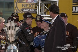 Kurt Busch congratulated by Mark Martin