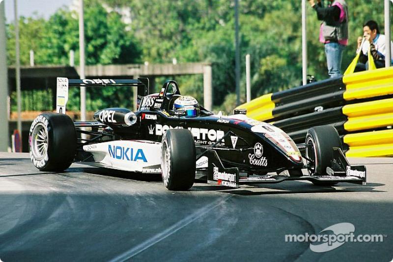 2004年:在F3欧洲系列赛的又一个赛季