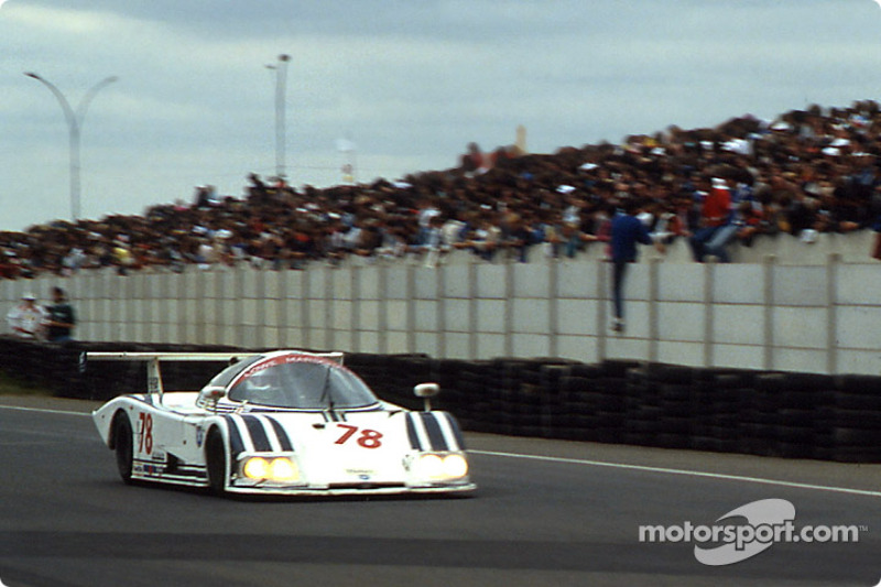 #78 Ecurie Ecosse Ecosse C285 Ford: Les Delano, Andy Petery, John Hotchkis