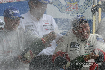 LM P1 podium: champagne for Tom Kristensen