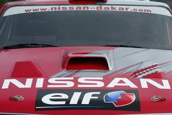 Nissan Rally Raid Team shakedown: detail of the Nissan Pickup 2005