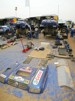 Volkswagen Motorsport service area at the Atar bivouac
