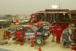 Nissan Dessoude service area at the Atar bivouac