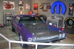 Mopar garage display