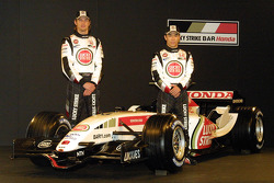 Jenson Button and Takuma Sato with the new BAR Honda 007