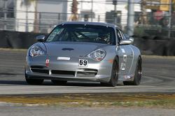 #69 Krohn Racing/ TRG Porsche 996: Tracy Krohn, Nic Jonsson