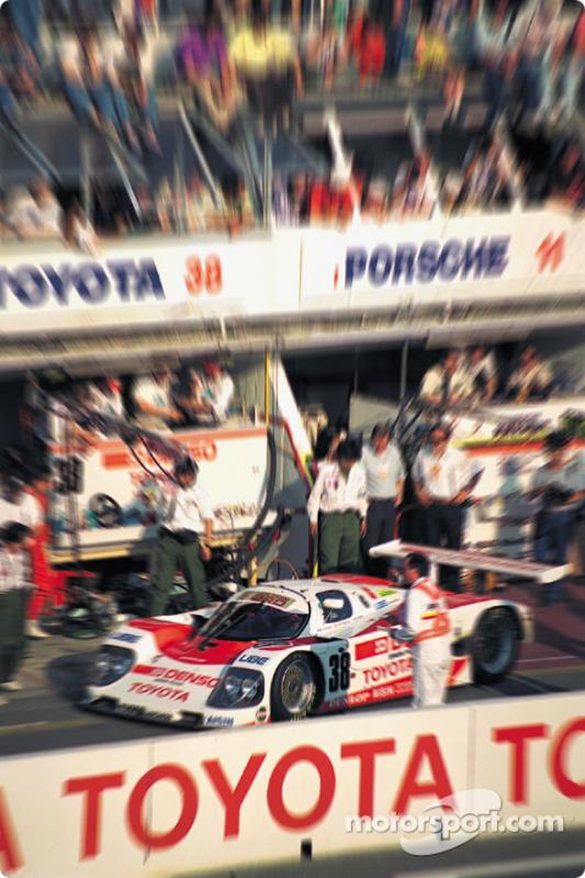 #38 Toyota 90C-V: Pierre-Henri Raphanel,Roland Ratzenberger, Naoki Nagasaka