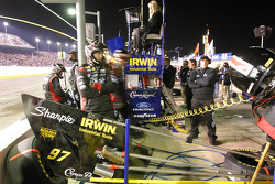Roush Racing crew get ready for pitstop
