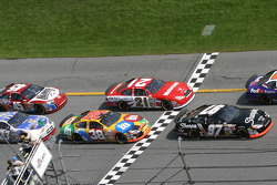 Green flag: Kurt Busch, Elliott Sadler and Ricky Rudd