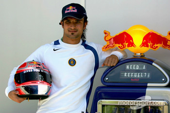 Red Bull Racing photoshoot: Vitantonio Liuzzi