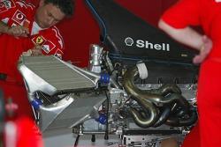 Ferrari F2005 engine
