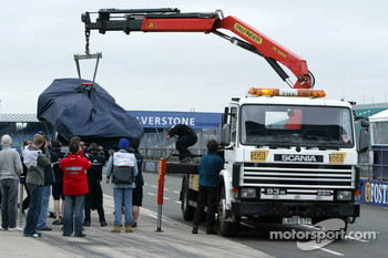 The Williams-BMW of Antonio Pizzonia back on tow-truck