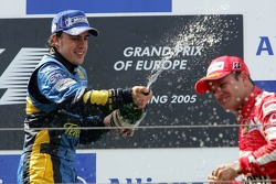 Podium: race winner Fernando Alonso and Rubens Barrichello